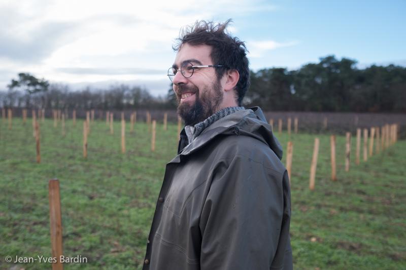 Julien Pineau, gueules de vignerons, vignerons de Loire, vigneron biodynamie, organic wine, winemaker, Jean-Yves Bardin photographe Gueules de vignerons, portraits de vignerons, Vignerons de Loire, Touraine, Pouillé, Sauvignon, Côt, Coup d'jus